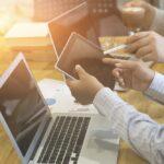 Tablet versus laptop wat is er praktischer in bepaalde werksituaties